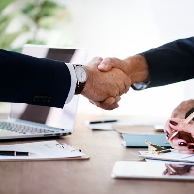 Image for Mediation and Arbitration in Qualicum Beach, two people shaking hands
